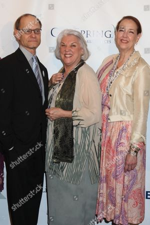 David Hyde Pierce, Tyne Daly and Harriet Harris
