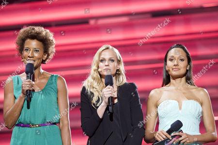 The hosts of the show Arabella Kiesbauer, Mirjam Weichselbraun
