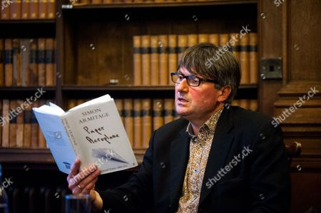 Stock Image of Simon Armitage reads from his book 'Paper Aeroplane'
