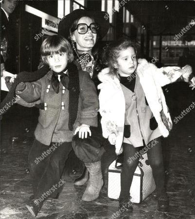 Actress Samantha Eggar With Her Children Nicolas Stern And Jenna Stern On Arrival At London Airport.