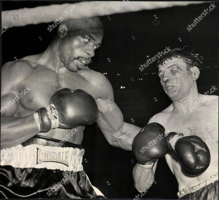 Editorial picture of Middleweight Boxing Match: Rubin Carter (left) V Harry Scott At The Royal Albert Hall. (for Full Caption See Version) Box 0563 140515 00282a.jpg.