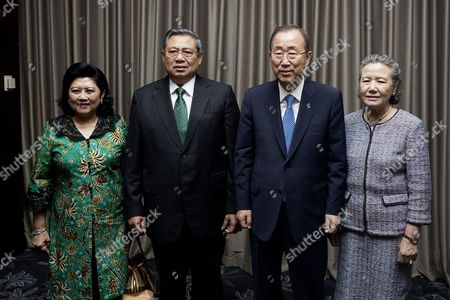 Secretary-General Ban Ki-moon (centre right) meets with Susilo Bambang Yudhoyono (centre left), former President of the Republic of Indonesia, in Seoul, republic of Korea. Also pictured: Ani Yudhoyono (left) former First Lady of Indonesia; and Yoo Soon-taek, wife of the Secretary-General.