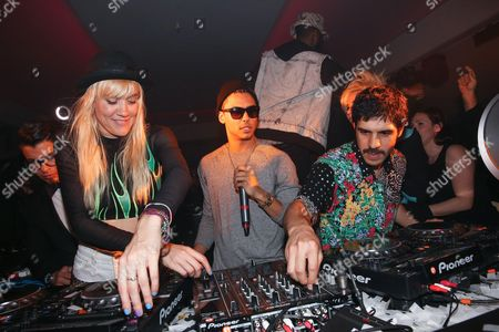 Stock Image of Quincy Brown and Australian DJ duo Miriam and Olivia Nervo
