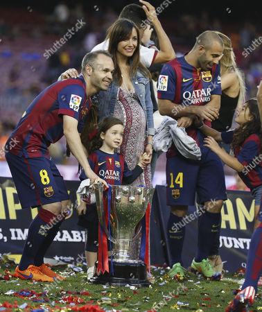 Andres Iniesta and his wife Anna Ortiz (pregnat) and daughter