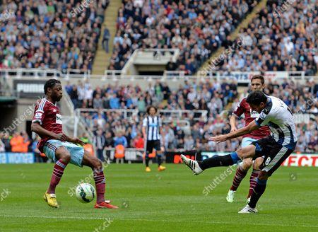 Jonas Gutierrez of Newcastle United scores their second goal