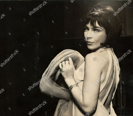 Fenella Fielding Actress In The Play 'so Much To Remember' At The Vaudeville Theatre. Box 0563 140515 00154a.jpg.