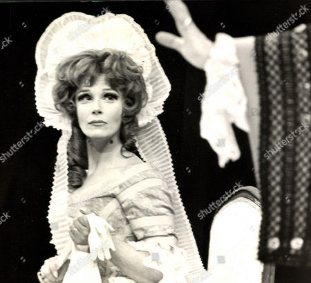Fenella Fielding Actress. (no Date Available) Box 0563 140515 00155a.jpg.