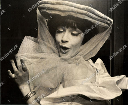 Fenella Fielding Actress. (no Date Available) Box 0563 140515 00158a.jpg.