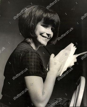 Fenella Fielding Actress. Box 0563 140515 00167a.jpg.