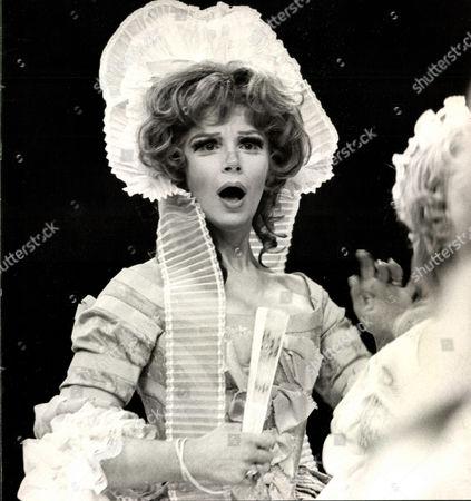 Fenella Fielding Actress. Box 0563 140515 00169a.jpg.