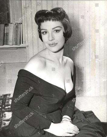 Fenella Fielding Actress. Box 0563 140515 00182a.jpg.