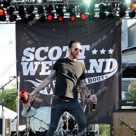 Scott Weiland and The Wildabouts - Scott Weiland