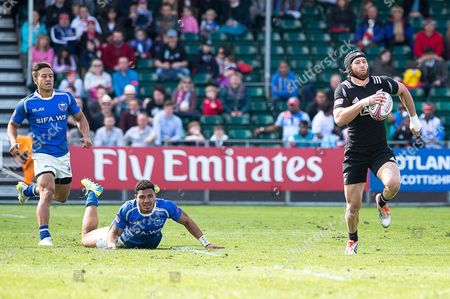 Action from Samoa v New Zealand on day one, as Gillies Kaka breaks free to score.