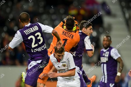 Nice's goalkeeper Mouez Hassen, Olivier Boscagli and Toulouse's players Marcel Tissearnd and Yann Bodiger