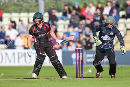 Tom Wells of Leicestershire Foxes during the Natwest T20 Blast North Group match between Worcestershire County Cricket Club and Leicestershire County Cricket Club at New Road, Worcester