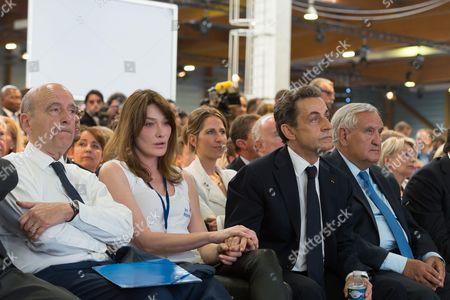 Alain Juppe, Carla Bruni-Sarkozy, Maud Fontenoy, Nicolas Sarkozy and Jean-Pierre Raffarin