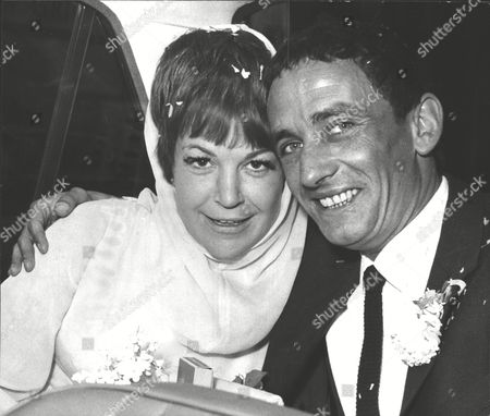Wedding Of Jazz Singer Annie Ross To Actor Sean Lynch At Paddington Register Office. Box 0567 070415 00299a.jpg.