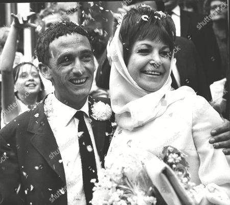 Wedding Of Jazz Singer Annie Ross To Actor Sean Lynch At Paddington Register Office. Box 0567 070415 00300a.jpg.