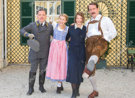 Cornelius Obonya, Yvonne Catterfeld and Matthew Macfadyen with Eliza Hope Bennett