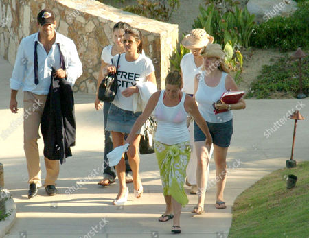 Nicky Hilton (c) and new husband Todd Meister arrive at the Esperanza Hotel in Cabo San Lucas