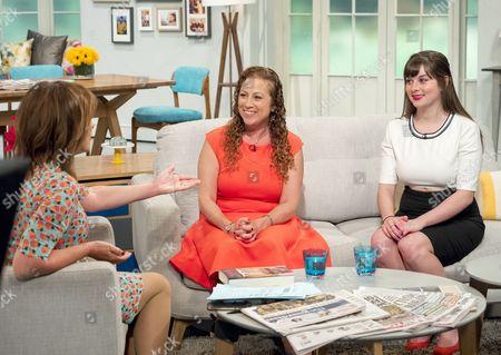 Lorraine Kelly with Jodi Picoult and Samantha Van Leer (daughter)