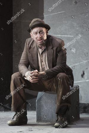 Richard Roxburgh as Estragon