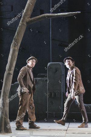 Richard Roxburgh as Estragon and Hugo Weaving as Vladimir