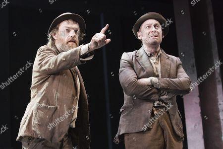 Hugo Weaving as Vladimir and Richard Roxburgh as Estragon
