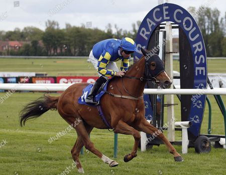FUNDING DEFICIT and Fergal Lynch win for trainer Jim Goldie at Ayr