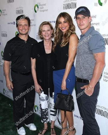 Scott Wolf, JoBeth Williams, Sofia Vergara and Brendan Fehr