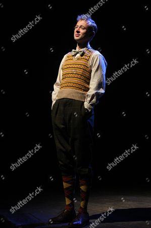 Richard Dempsey as Reginald Brown Byng