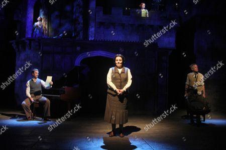 Isla Blair as Lady Caroline Byng