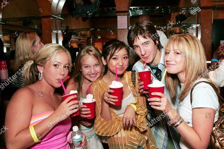 (l to r) Sabrina Bryan, Amy Bruckner, Brenda Song and Andrew James Allen