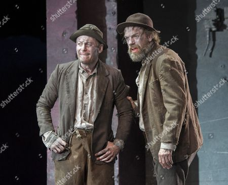 Richard Roxburgh as Estragon, Hugo Weaving as Vladimir,