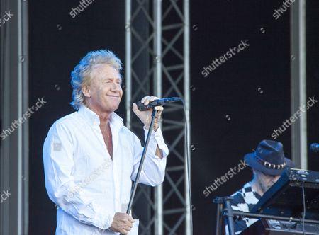 Manfred Mann´s Earth Band performing at Sweden Rock Festival 2015. Vocalist Robert Hart