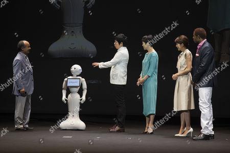Masayoshi Son chairman & CEO of SoftBank, robot Pepper, actor Koji Imada, actress Kanako Higuchi, announcer Kyoko Uchida and the actor Dante Carver