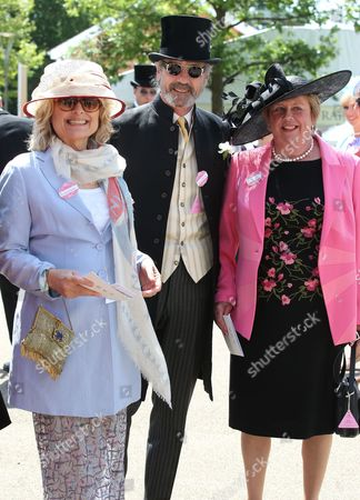Jeremy Irons Sinead Cusack and Anne Hutton