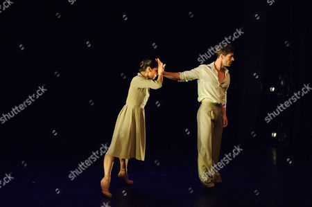 'A Room in New York', choreographed by Stina Quagebeur. The dancers are: Crystal Costa, James Forbat.