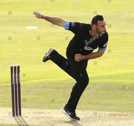 Sussex's Michael Yardy bowls