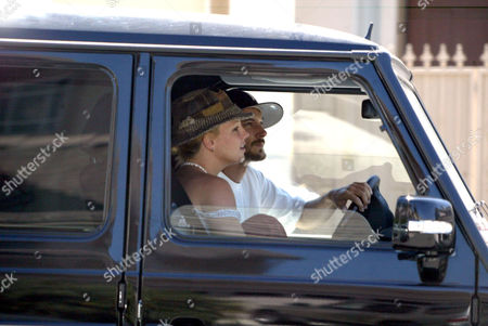 Stock Image of Britney Spears and Kevin Federline arriving at the home of Shar Jackson to drop off children Kori and Kaleb