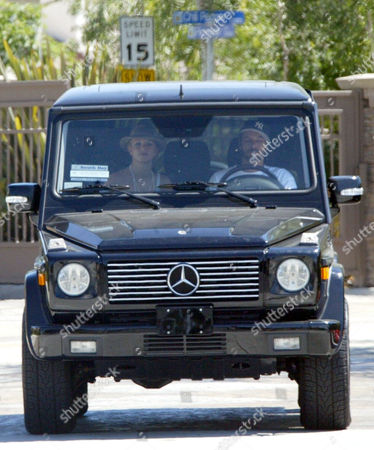 Britney Spears and Kevin Federline arriving at the home of Shar Jackson to drop off children Kori and Kaleb