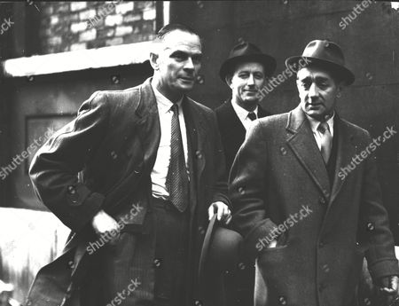 London Police Officers In The Jack 'spot' Comer And Glinsky Cases. L-r: Det. Supt. Herbert (ned) Sparks Inspector Eric Shepherd And Inspector John Mannings. Box 0580 110615 00278a.jpg.