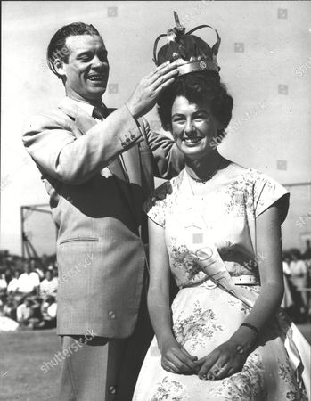 Stock Picture of Miss Katherine Wilson Being Crowned Carnoustie's Beauty Queen 1955 By Comedian Johnny Victory. Box 0583 150615 00035a.jpg.
