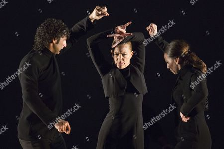 Angel Munoz, Charo Espino and Carmen Rivas 'La Talegona' performing Martinete.