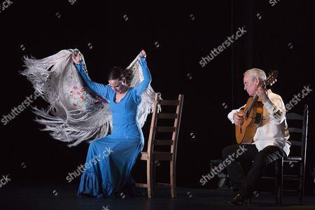 Carmen Rivas 'La Talegona' and Paco Peña performing 'Granaína'