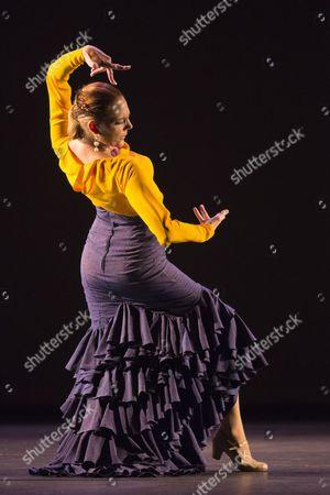 Charo Espino performing Alegría