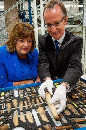 Fiona Hyslop and Museum Director, Gordon Rintoul, CBE, looks at some viking artifacts from around 900AD, from Jarlshof, Shetland
