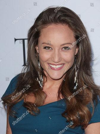Lauren C Mayhew