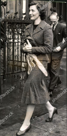 Mrs Joyce Whitsun-jones Wife Of Actor Paul Whitsun-jones Who Was Granted A Divorce Today. Box 0570 280515 00233a.jpg.