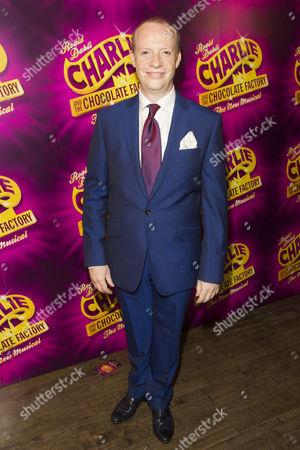 Jonathan Slinger (Willy Wonka)